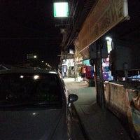 Photo taken at 7-11 สะพานดำ by ตายไปแล้ว ส. on 12/14/2013