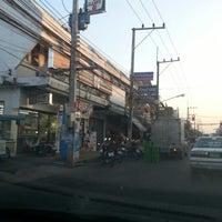 Photo taken at 7-11 ถนนกันทรลักษ์ by ตายไปแล้ว ส. on 1/16/2013