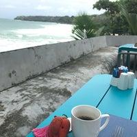 Photo taken at Surin Beach Resort by Selahattin 🍀 on 9/25/2017