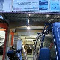 Photo taken at Qash Maju Ent, Renovation & Cabinet Specialist, Tmn Scientex by Nor Liza M. on 12/10/2012