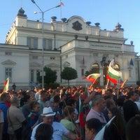 6/16/2013 tarihinde Nikolay M.ziyaretçi tarafından пл. Народно събрание (Narodno sabranie Sq.)'de çekilen fotoğraf
