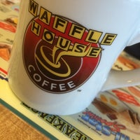 Photo taken at Waffle House by Willy R. on 12/2/2014