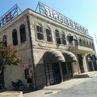 Das Foto wurde bei Şirehan Butik Otel von Mad X. am 8/28/2016 aufgenommen