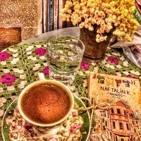 Foto tirada no(a) Cafe Naftalin K. por Yusuf I. em 1/27/2016