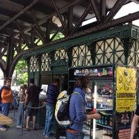 Foto scattata a Burgermeister da Summer M. il 5/19/2013