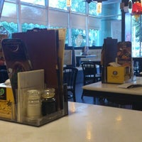 Photo taken at OldTown White Coffee by Abdul Qaiyum A. on 2/1/2013