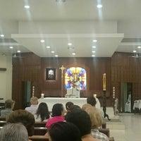 Photo taken at Iglesia La Resurrección by Nelson V. on 4/28/2016
