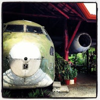 Foto tirada no(a) El Avion Restaurant por Evan B. em 4/14/2013
