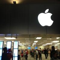 Photo taken at Apple La Cantera by Ruben L. on 12/30/2012