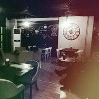 12/9/2015 tarihinde Özgür B.ziyaretçi tarafından Geyikhane Cafe'de çekilen fotoğraf
