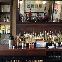 4/12/2013 tarihinde Brian J.ziyaretçi tarafından Lula Café'de çekilen fotoğraf