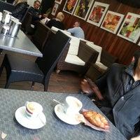 Foto scattata a Caffè Commercio da Cristina D. il 5/3/2014