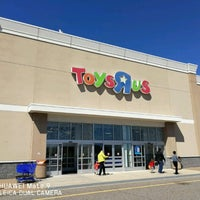"Photo taken at Toys""R""Us by Andre R. on 4/2/2017"