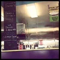 1/5/2014 tarihinde Rocco B.ziyaretçi tarafından Snarf's Sandwiches'de çekilen fotoğraf