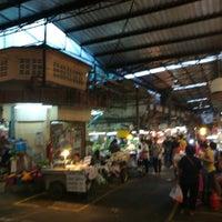 Foto tirada no(a) Tao Poon Market por wannapong p. em 8/31/2017
