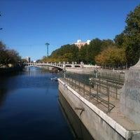 Photo taken at Presa nº4 by Javi @tuvozencolor on 10/28/2012