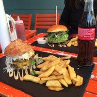 11/28/2015にJoud A.がDulf's Burgerで撮った写真