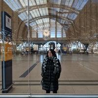 รูปภาพถ่ายที่ Promenaden Hauptbahnhof Leipzig โดย Michael L. เมื่อ 2/25/2018