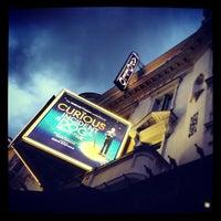 9/14/2013 tarihinde Selena C.ziyaretçi tarafından Apollo Theatre'de çekilen fotoğraf