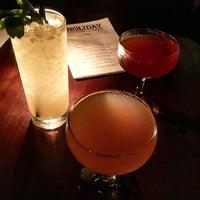 6/12/2015 tarihinde Andy S.ziyaretçi tarafından Holiday Cocktail Lounge'de çekilen fotoğraf