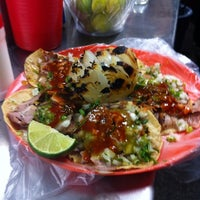 Photo taken at Tacos Arnulfo by Pablo U. on 11/7/2013