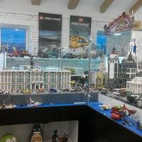 Снимок сделан в GameBrick. музей-выставка моделей из кубиков LEGO пользователем Alena S. 3/10/2017