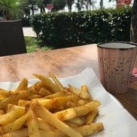 3/7/2018 tarihinde Halil İbrahim S.ziyaretçi tarafından Wind Coffee & Lounge'de çekilen fotoğraf