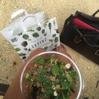 Das Foto wurde bei Letiuz Salad Bar von Hannah Q. am 7/22/2016 aufgenommen
