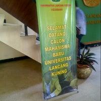 Photo taken at Universitas Lancang Kuning by Ryni Andicha E. on 6/12/2013