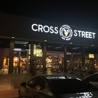 Photo prise au Cross Street Chicken and Beer par Zach S. le11/20/2017