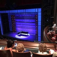Photo taken at Beautiful: The Carole King Musical by Alan L. on 8/2/2017