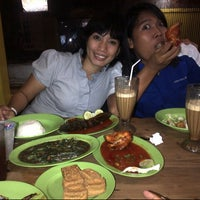 Photo taken at Pecel Lele Lela by Saraswati M. on 3/15/2013