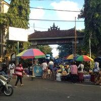Photo taken at Pasar Senggol Gianyar by Grace on 5/21/2016