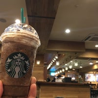 Photo taken at Starbucks by 현일 김. on 10/22/2016