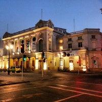 Das Foto wurde bei Teatro Municipal de Santiago von Felipe P. am 1/19/2013 aufgenommen
