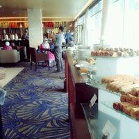 Photo taken at Executive Lounge Royal Ambarrukmo by Rhe on 6/28/2013