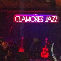 12/8/2012 tarihinde Jay S.ziyaretçi tarafından Sala Clamores'de çekilen fotoğraf