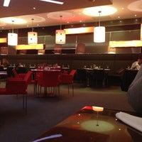 Снимок сделан в RBG Bar & Grill ресторан пользователем DIASHA A. 12/28/2012