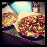 Photo taken at The Healthy Pizza Company by Alex B. on 2/21/2014