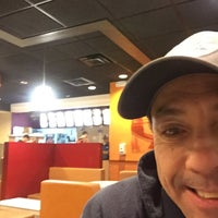 Photo taken at Taco Bell by Vin R. on 12/1/2016