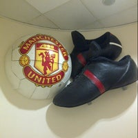 Photo taken at Manchester United Museum & Tour Centre by Roberto T. on 9/27/2012