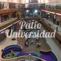 Foto tomada en Patio Universidad por Victor O. el 4/30/2014