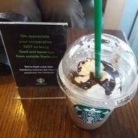 12/1/2017 tarihinde Rully S.ziyaretçi tarafından Starbucks'de çekilen fotoğraf