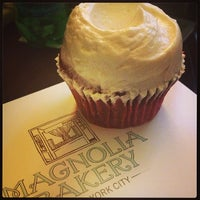 Photo taken at Magnolia Bakery by Lindsay R. on 10/6/2013