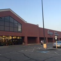 Photo taken at Kroger by MyHappyness on 9/1/2015