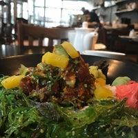 Foto diambil di Runa Japanese Restaurant oleh Tracy M. pada 12/29/2016
