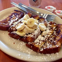 Photo taken at Yogi's Deli and Grill by Arianna R. on 5/31/2014