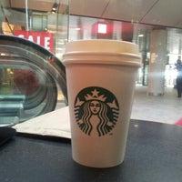Foto tomada en Starbucks por Ruben D. el 7/8/2013