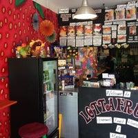 Das Foto wurde bei LottaFrutta von Aubrey M. am 10/6/2012 aufgenommen