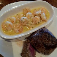 Photo taken at Outback Steakhouse by Lj on 9/12/2013